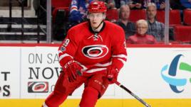 Двое россиян выставлены на драфт отказов НХЛ. Вернутся ли они в Россию?