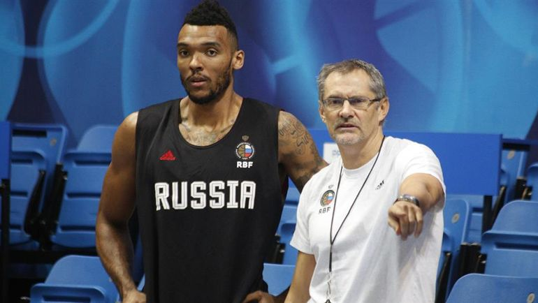 Джоэл Боломбой и Сергей Базаревич. Фото РФБ