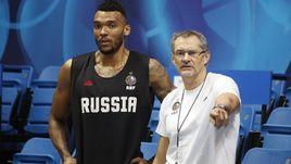 Джоэл Боломбой и Сергей Базаревич.