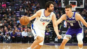 Милош Теодосич (слева). Фото USA TODAY Sports