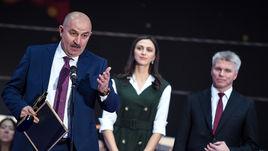 Усы Черчесова и борода Шубенкова