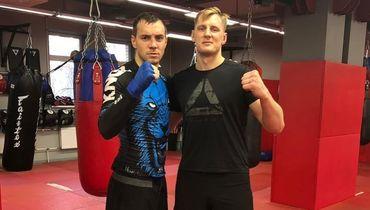 Александр Волков (справа) и Артем Дзюба.