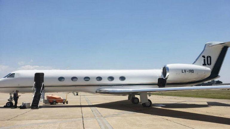 Самолет Месси.