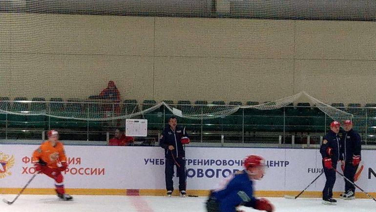 Знарок на тренировке молодежной сборной. Фото «СЭ»