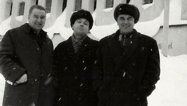 Анатолий Тарасов (слева).