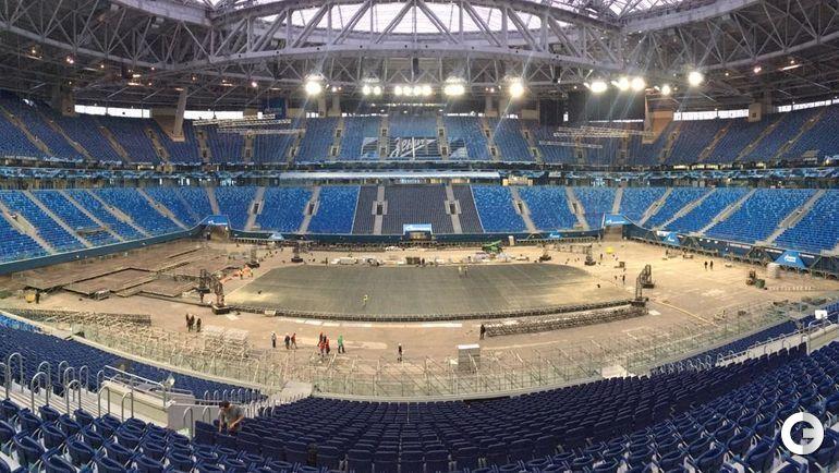 11 декабря. Санкт-Петербург. Футбольный стадион превращается в хоккейный.