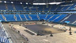 """Как """"Газпром Арена"""" готовится к матчу хоккейной сборной. Эксклюзивное видео"""
