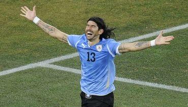 Уругваец перешел в 29-й клуб в карьере, но это не рекорд. Невероятные факты
