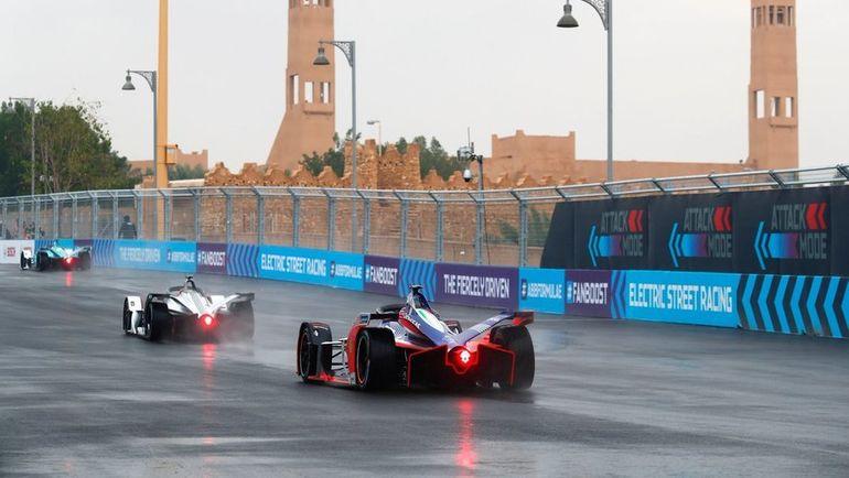 """Пятый сезон """"Формулы-Е"""" стартовал в Саудовской Аравии. Фото twitter.com"""