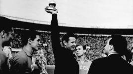 55 лет назад Лев Яшин стал лучшим в Европе. Что об этом нужно знать
