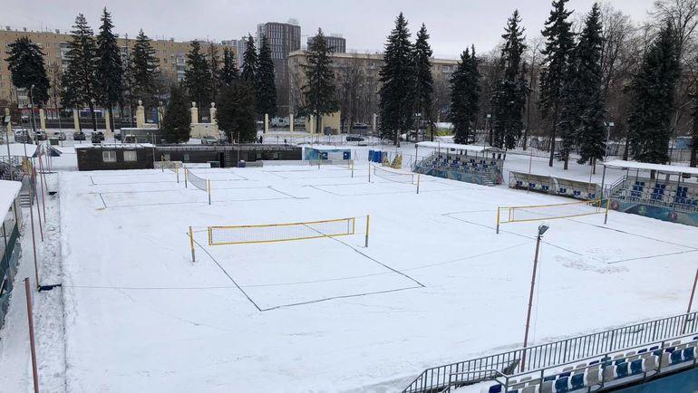 Площадка для игры в волейбол на снегу на этапе Евротура в Москве. Фото CEV