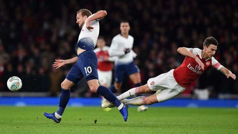"""19 декабря. Лондон. """"Арсенал"""" - """"Тоттенхэм"""" - 0:2. Харри Кейн (№10) и Лоран Косьельни. Фото AFP"""