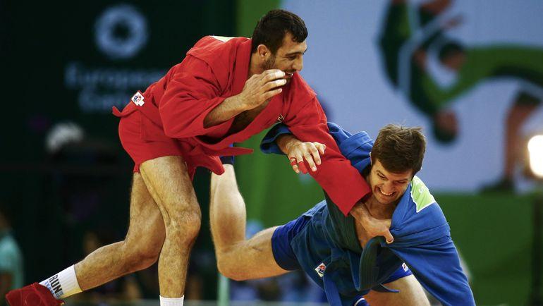 Схватка Степана Попова (справа) и Амиля Гасимова за золото первых Европейских игр в Баку. Фото AFP