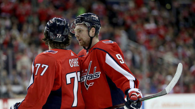 "22 декабря. Вашингтон. Capital One Arena. ""Вашингтон"" – ""Баффало"" – 2:1. Ти. Джей. Оши и Евгений Кузнецов. Фото NHL"