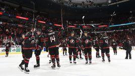 2 января. Ванкувер. Канада - Финляндия - 1:2 ОТ. Канадцы благодарят болельщиков после матча.