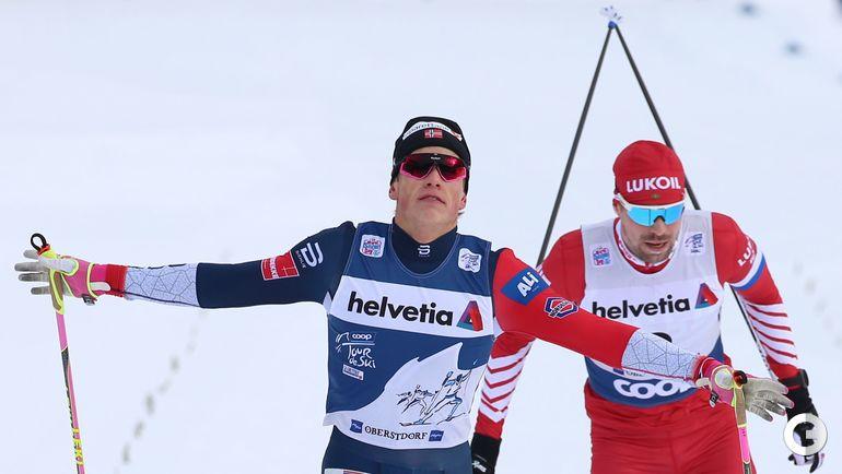 3 января. Оберстдорф. Йоханесс Клебо и Сергей Устюгов на финише гонки.