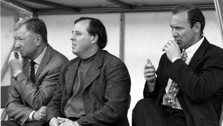 """Олег Романцев (справа) с сигаретой, Александр Тарханов (в центре), Борис Игнатьев. Фото Александр Федоров, """"СЭ"""""""