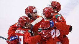 5 января. Ванкувер. Россия - Швейцария - 5:2. Клим Костин (№24) и его партнеры празднуют третий гол.