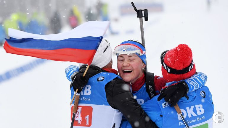 13 января. Оберхоф. Екатерина Юрлова-Перхт финиширует с флагом.