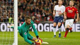 """13 января. Лондон. """"Тоттенхэм"""" - """"Манчестер Юнайтед"""" - 0:1. Один из многочисленных сейвов Давида де Хеа."""
