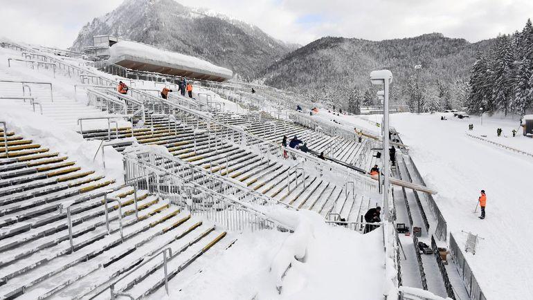 Немецкий Рупольдинг завалило снегом. Фото twitter.com