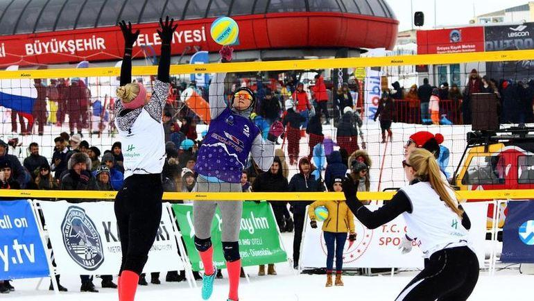 Две российские команды разыграли золото на этапе Евротура в турецком Эрджиесе. Фото cev.eu