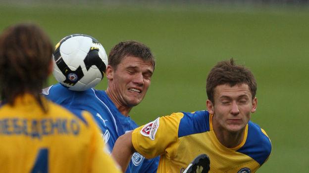 Александр Павленко (справа, против Игоря Денисова). Фото Вячеслав Евдокимов