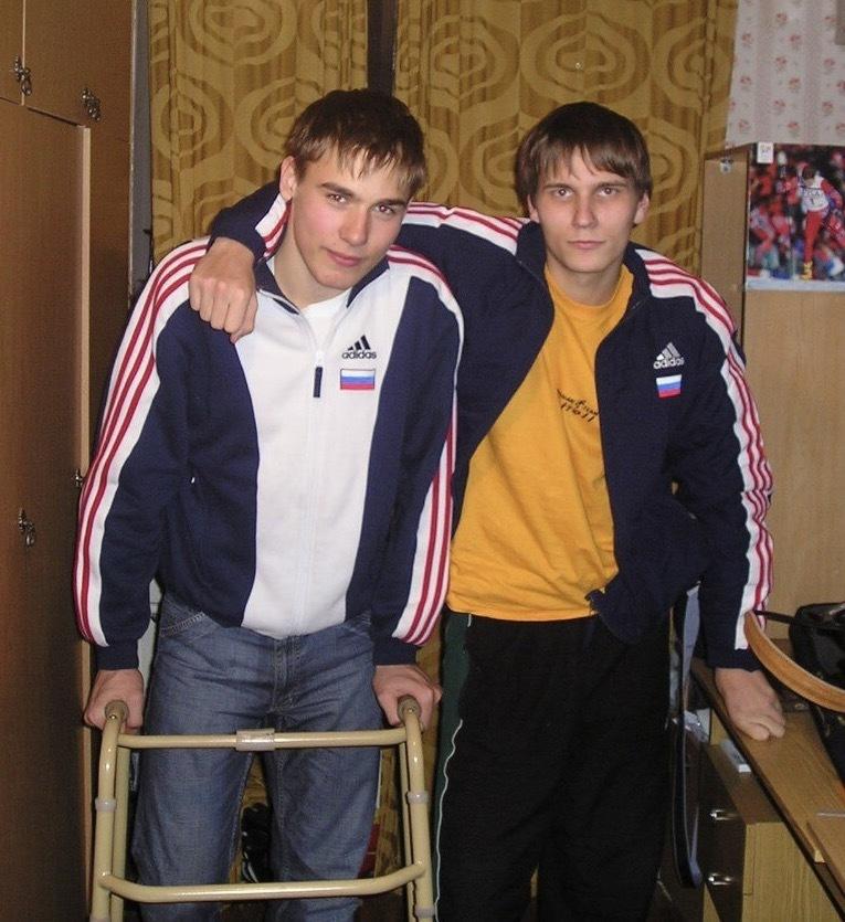 Декабрь 2005 года. Антон Шипулин впервые пришел навестить Илью Трифанова после аварии. Фото личный архив Ильи Трифанова