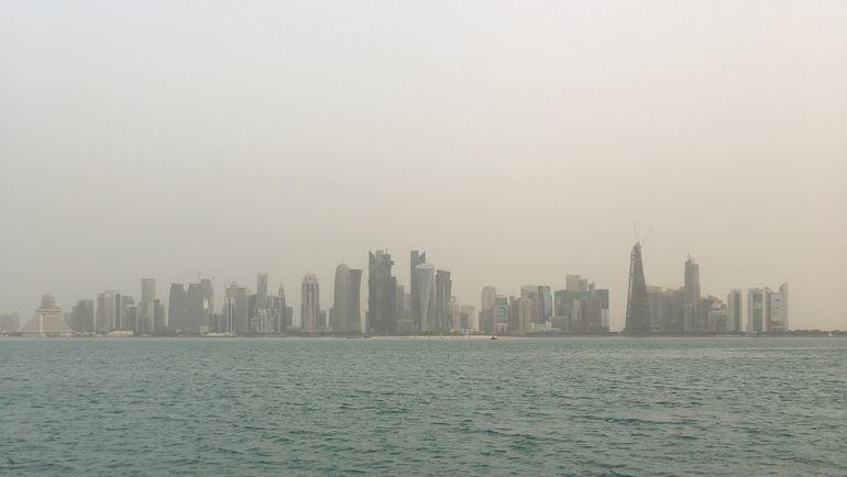 Ансамбль из десятков небоскребов - одна из немногих достопримечательностей Дохи. Фото Гоша Чернов
