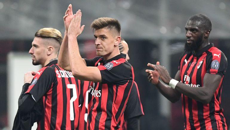 """Кшиштоф Пентек (в центре) перешел из """"Дженоа"""" в """"Милан"""" и оформил дубль во втором матче. Фото AFP"""