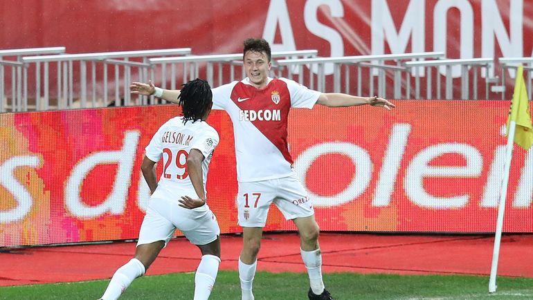 "2 февраля. Монако. ""Монако"" - ""Тулуза"" - 2:1. 15-я минута. Александр Головин (№ 17) празднует забитый мяч. Фото AFP"