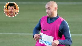 Олег Саленко считает, связал исключение Ярослава Ракицкого (справа) из списка игроков сборной Украины политическим решением.