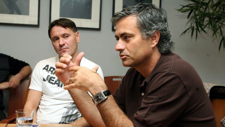 """4 мая 2008 года. Жозе Моуринью (справа) и Дмитрий Аленичев в редакции """"СЭ"""". Фото Дмитрий Солнцев"""