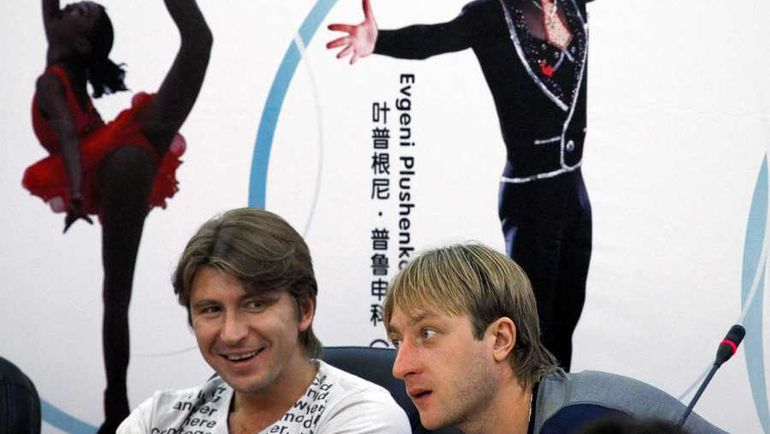 Алексей Ягудин (слева) и Евгений Плющенко. Фото REUTERS