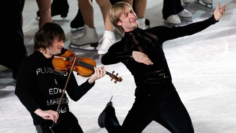 Евгений Плющенко (справа) - олимпийский чемпион Турина-2006. Фото REUTERS