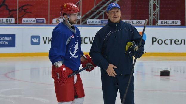 Сегодня первому тренеру Никиты Кучерова и Никиты Гусева Геннадию Курдину исполняется 60 лет