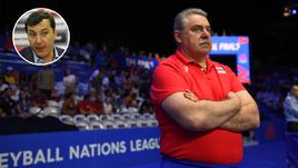 Экс-главный тренер сборной России Сергей Шляпников (справа) будет курировать подготовку к чемпионату мира-2022.