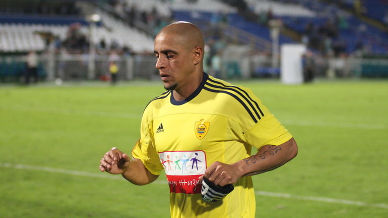 Роберто Карлос.