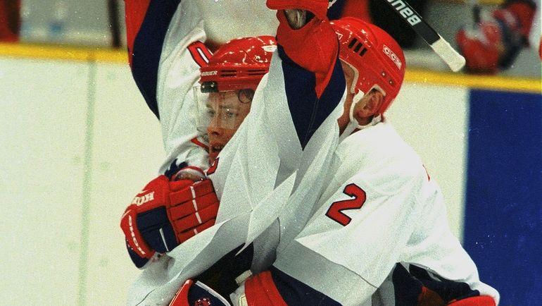 20 февраля 1998 года. Нагано. Россия - Финляндия - 7:4. Павел Буре празднует пятый гол.