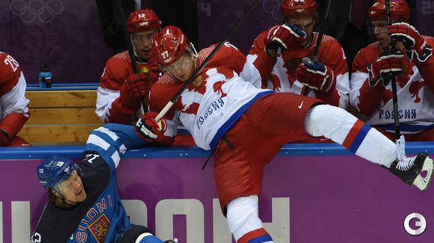 19 февраля 2014 года. Сочи. Финляндия - Россия - 3:1. Олли Йокинен и Антон Белов. Фото Александр Федоров,