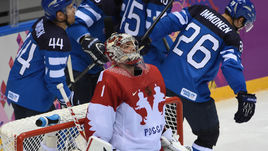 19 февраля 2014 года. Сочи. Россия - Финляндия - 1:3. Только что финны забросили третью шайбу в ворота Семена Варламова.