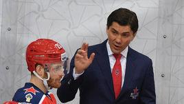 Нападающий ЦСКА Игорь Григоренко и главный тренер армейцев Игорь Никитин.