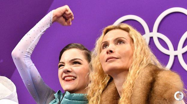 21 февраля 2018 года. Пхенчхан. Евгения Медведева и Этери Тутберидзе. Фото AFP