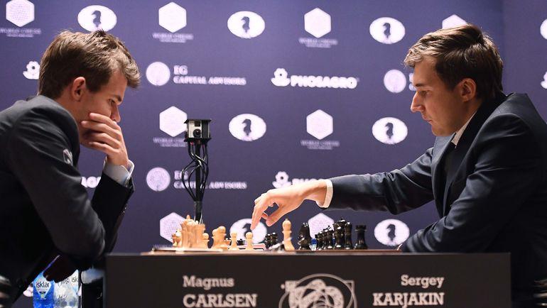 Ноябрь 2016 года. Нью-Йорк. Магнус Карлсен и Сергей Карякин. Фото AFP