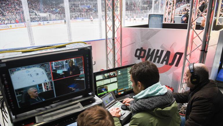 В Санкт-Петербурге во время матча ВХЛ прошел турнир по хоккею на PlayStation.