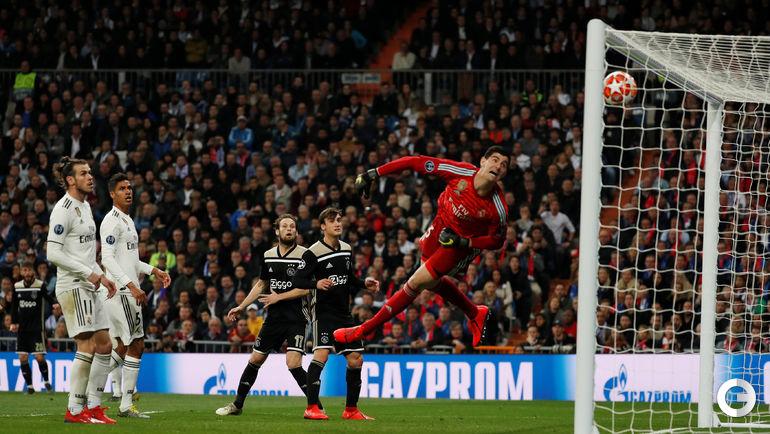 "5 марта. Мадрид. ""Реал"" - ""Аякс""- 1:4. Тибо Куртуа пропускает гол со штрафного от Лассе Шене."
