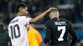 """6 марта. Мариж. """"ПСЖ"""" - """"Манчестер Юнайтед"""" - 1:3. Маркус Рэшфорд и Кильян Мбаппе после игры."""