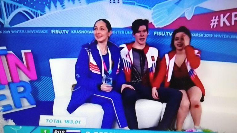 Бетина Попова (справа).
