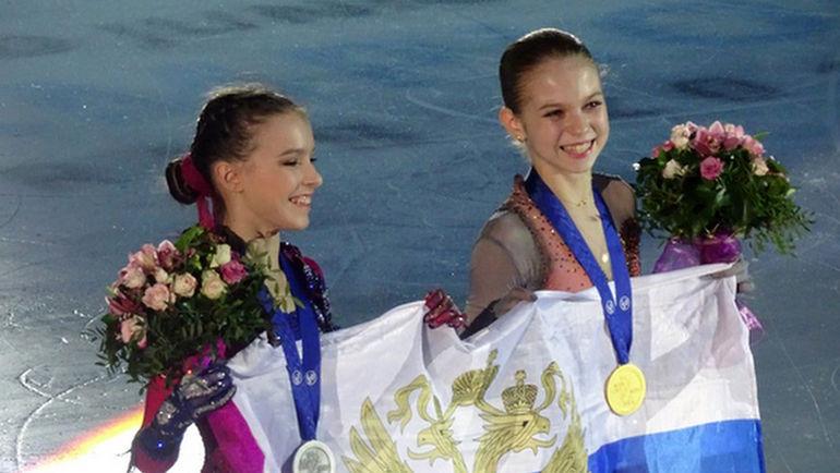 Анна Щербакова и Александра Трусова. Фото World junior 2019