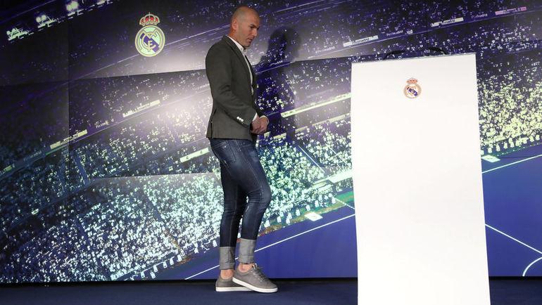 """11 марта. Мадрид. Зинедин Зидан снова в """"Реале"""". Фото Reuters"""